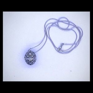 Jewelry - 🌼Essential Oil Diffuser Necklace🌼
